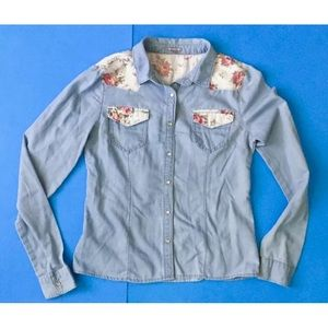 * Charlotte Russe chambray shirt floral trim small